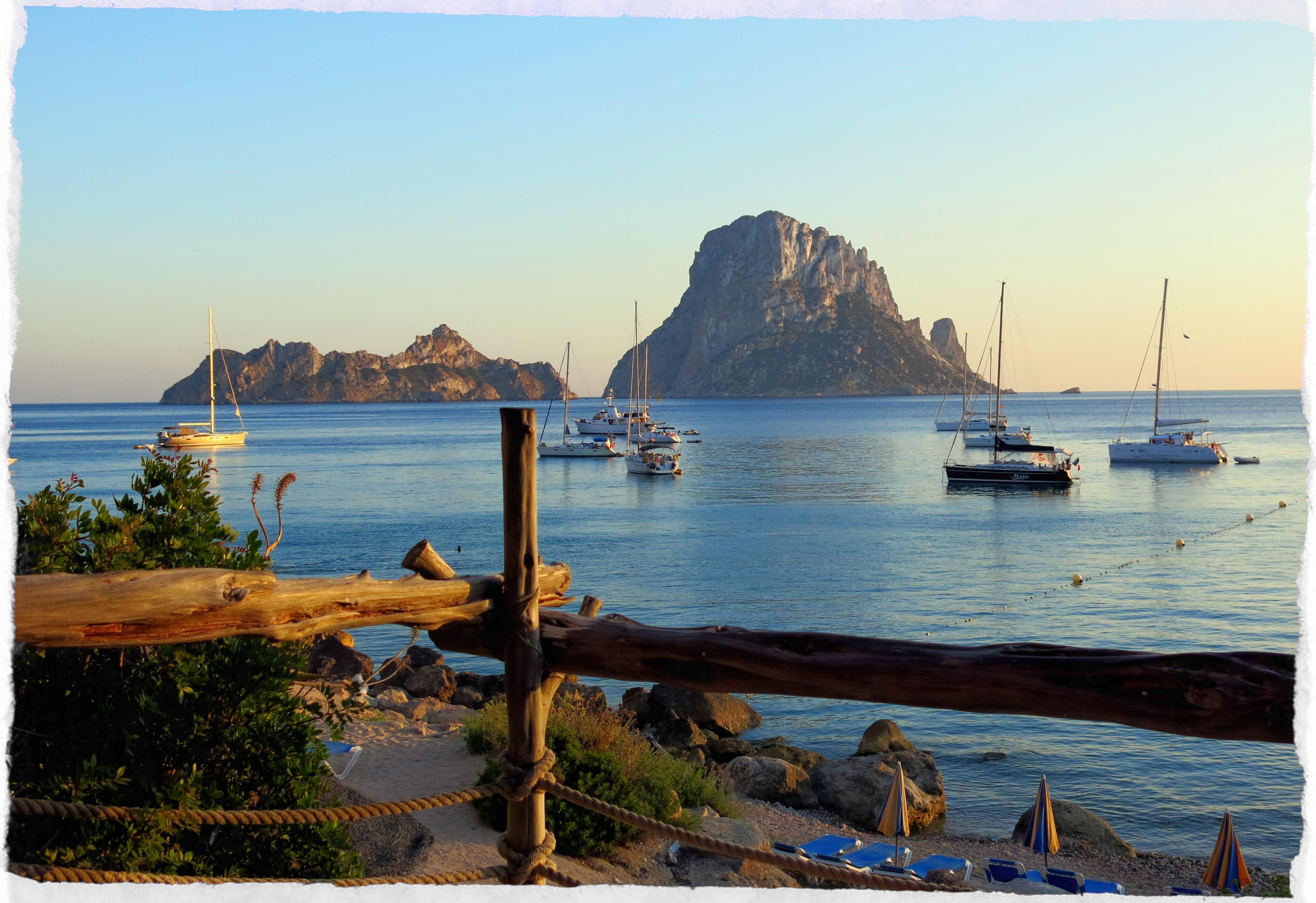 Ibiza-Restaurant-Cala-d-Hort- El-Carmen-restaurant