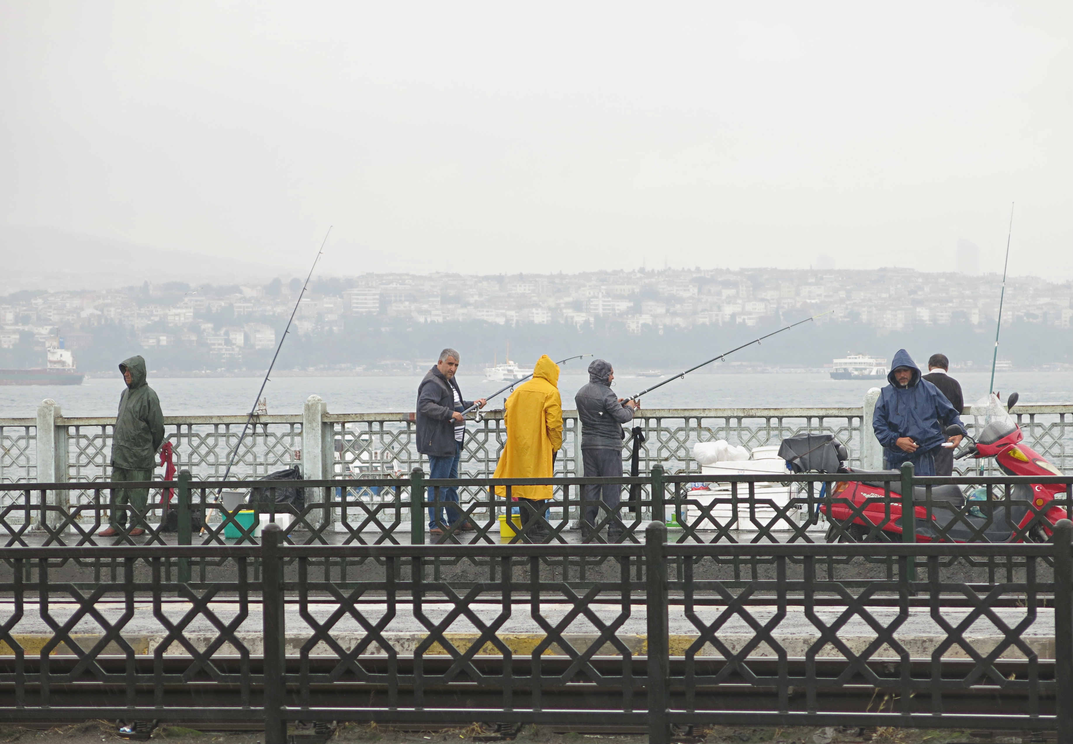 Istanbul-Fishermen-Galatabridge