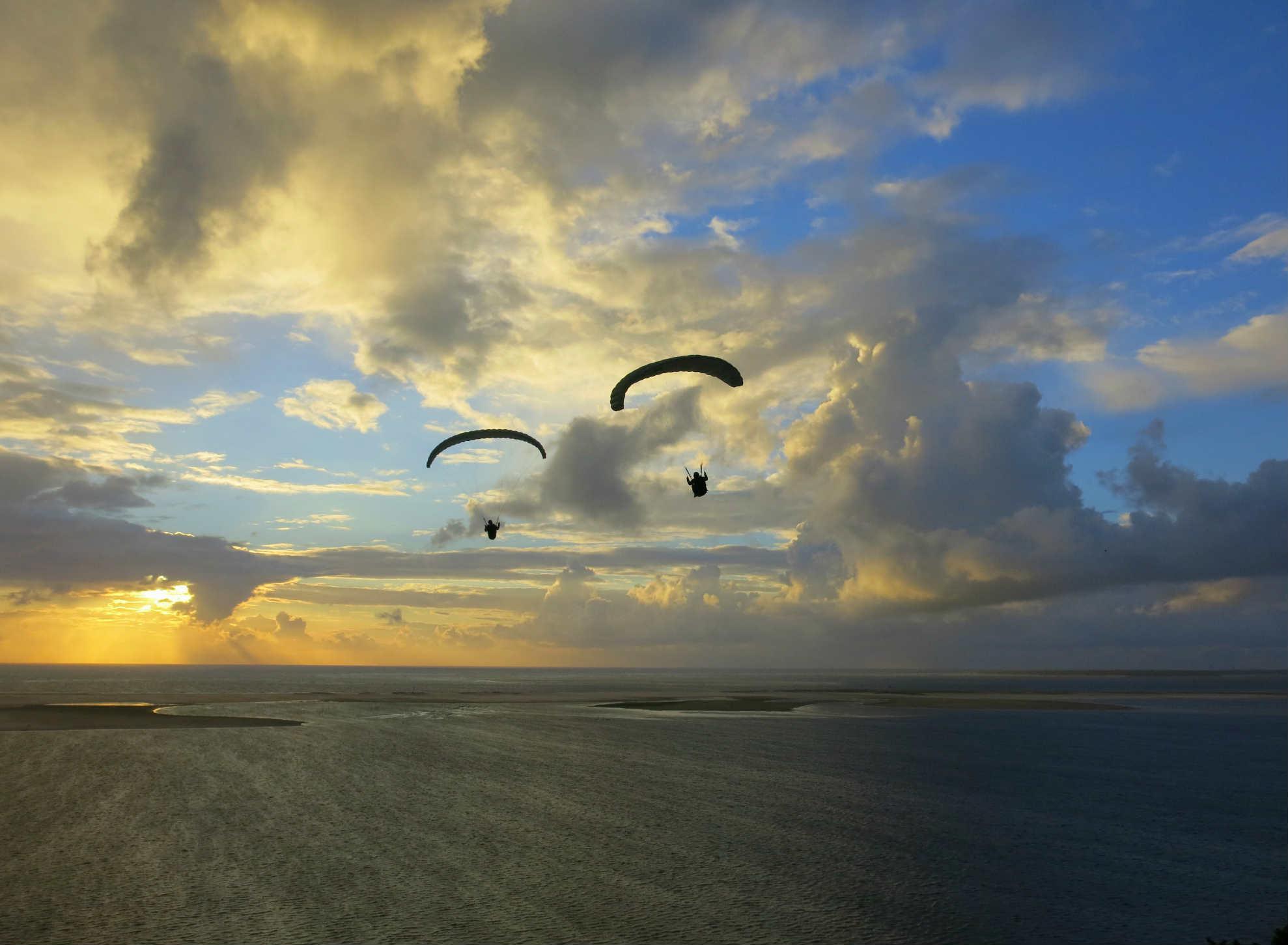 Dune-Pilat-Paraglider-Sunset