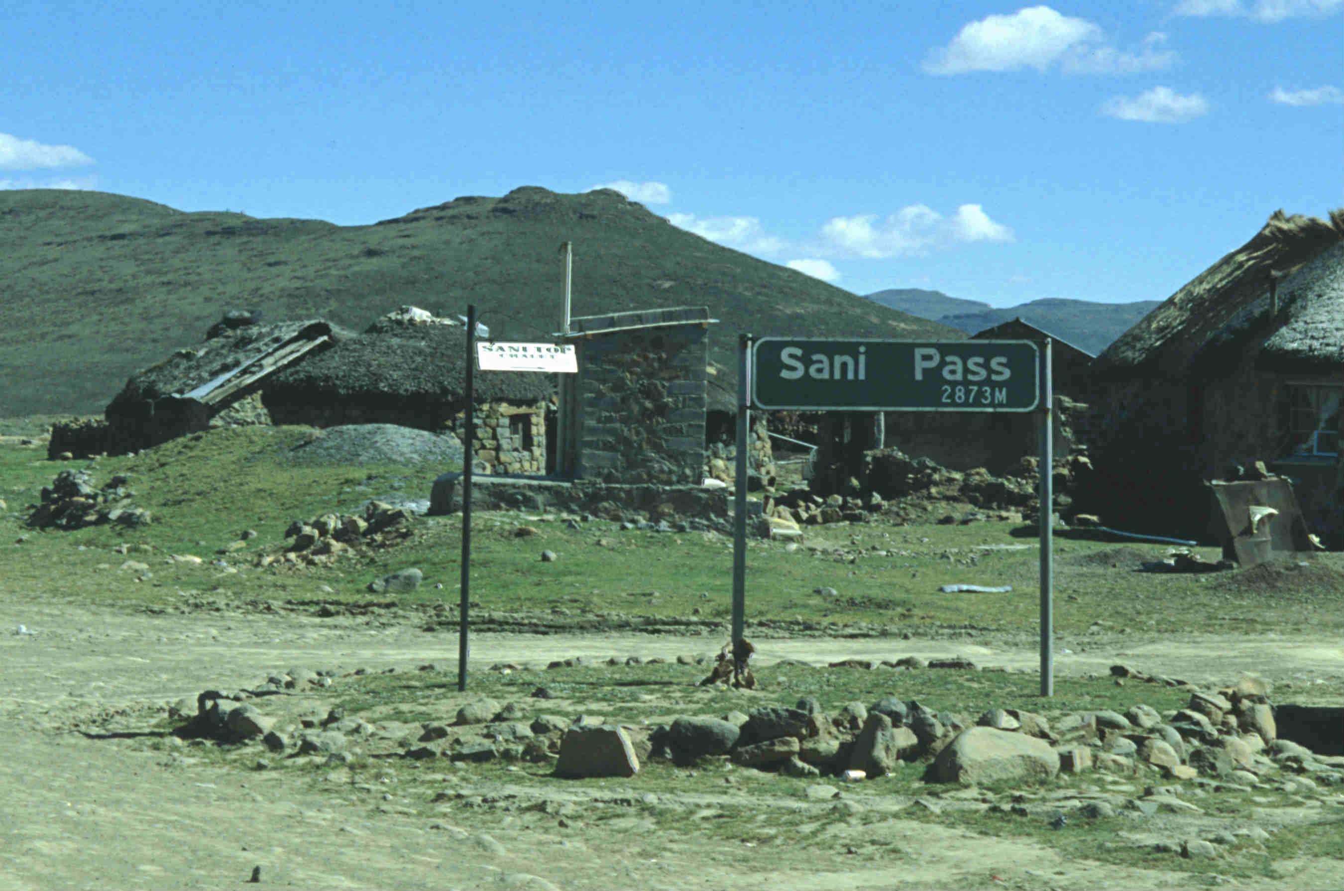 Lesotho-Sani-Pass-Schild