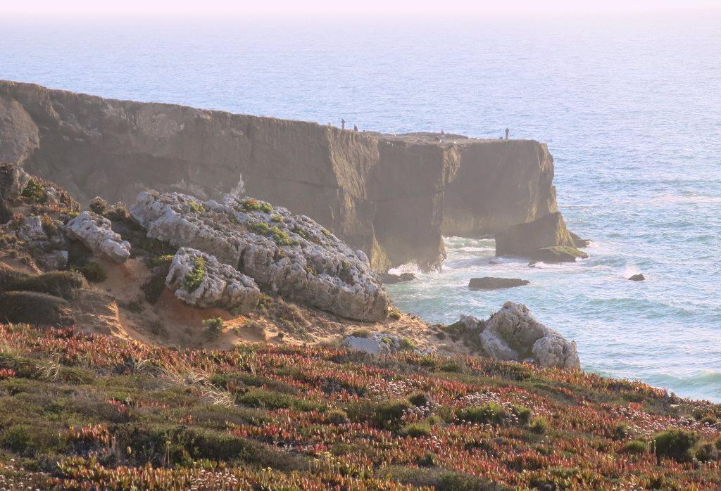 Portugal-Roadtrip-Alentejo-Cliffs-Villa-Nova