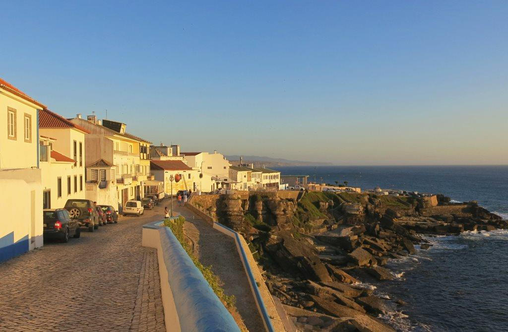 Portugal-Roadtrip-Ericeira-City-komprimiert