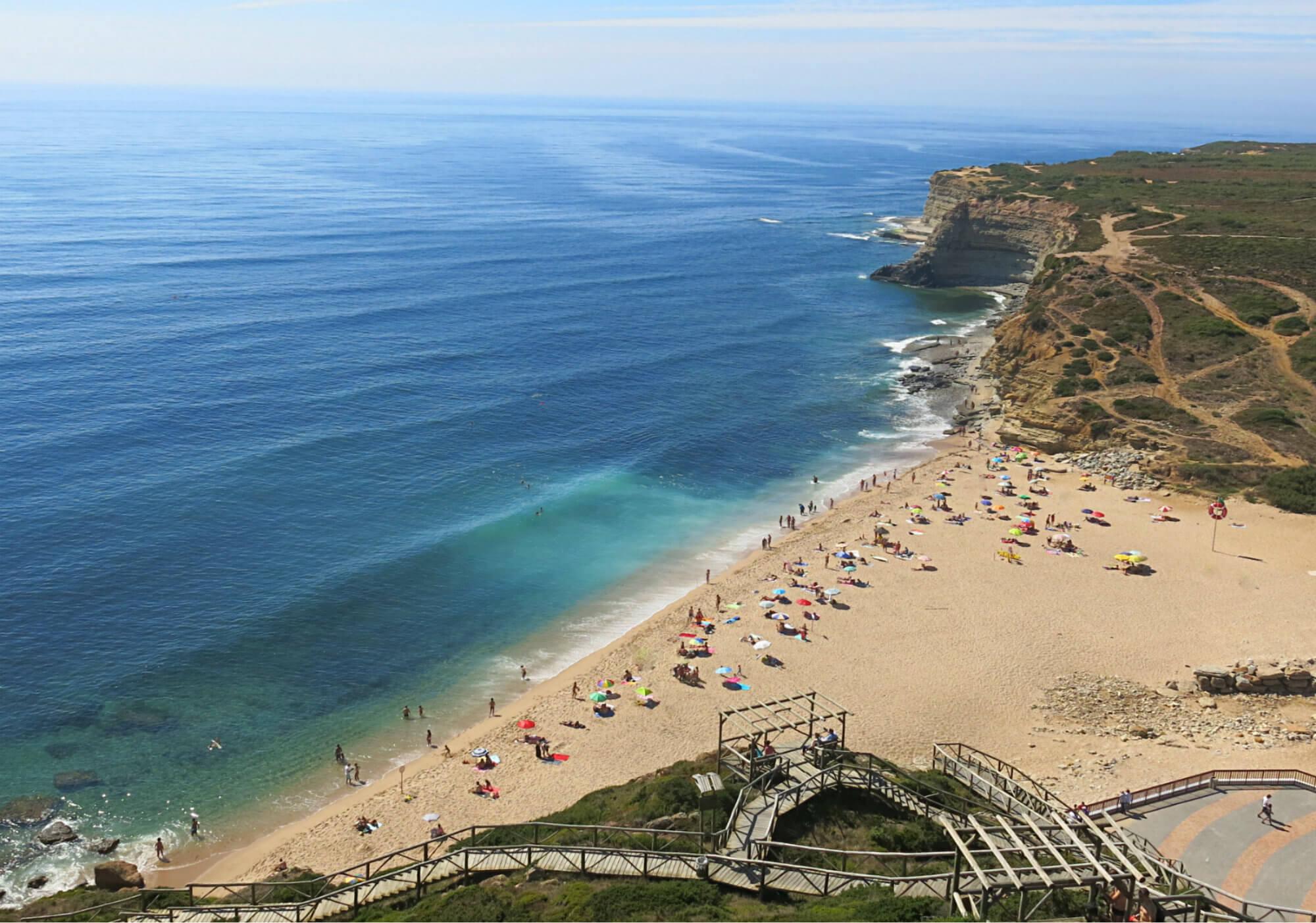 Portugal-Roadtrip-Ericeira-Praia-de-Ilhas