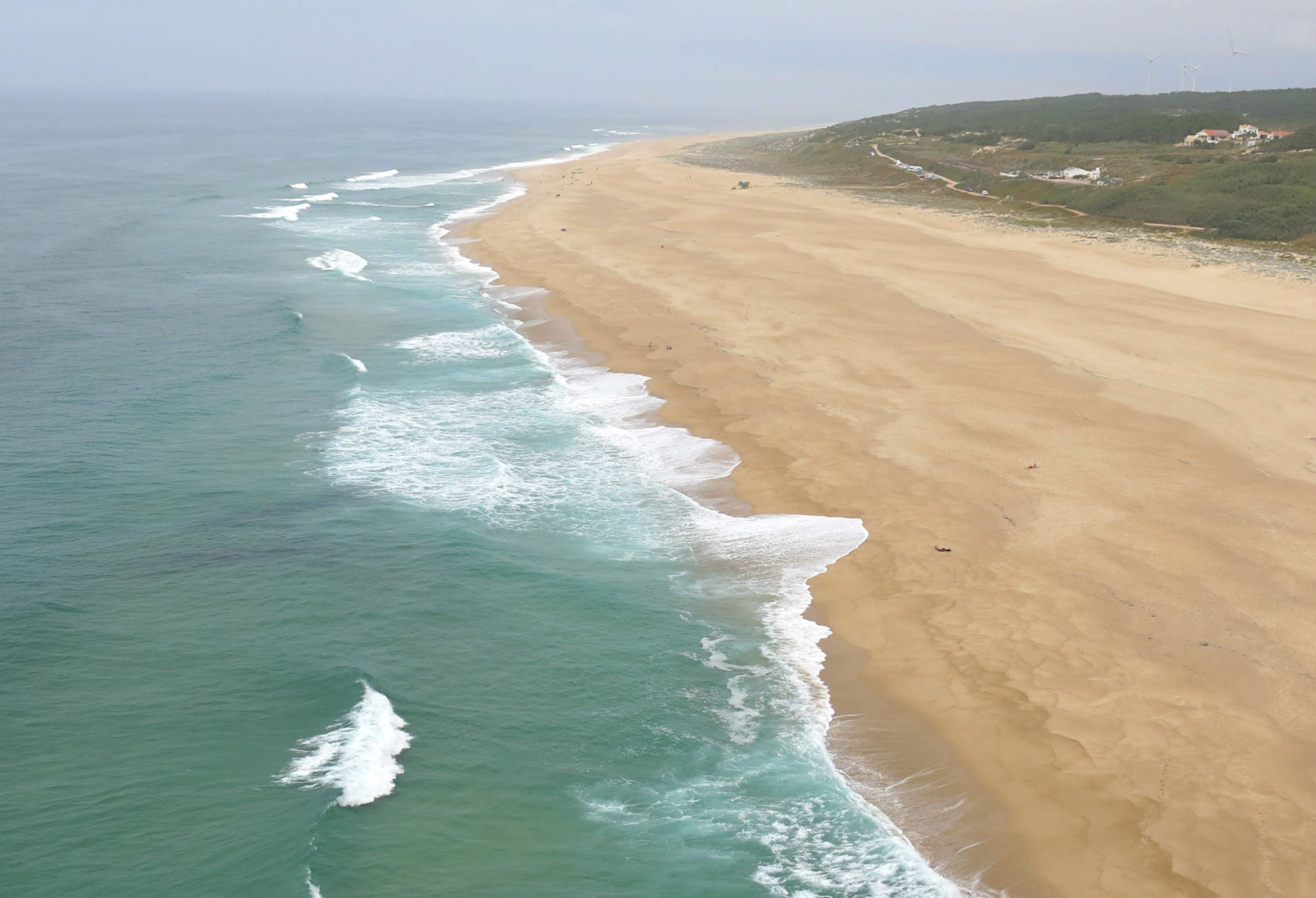 Portugal-Roadtrip-Nazare-North-Beach