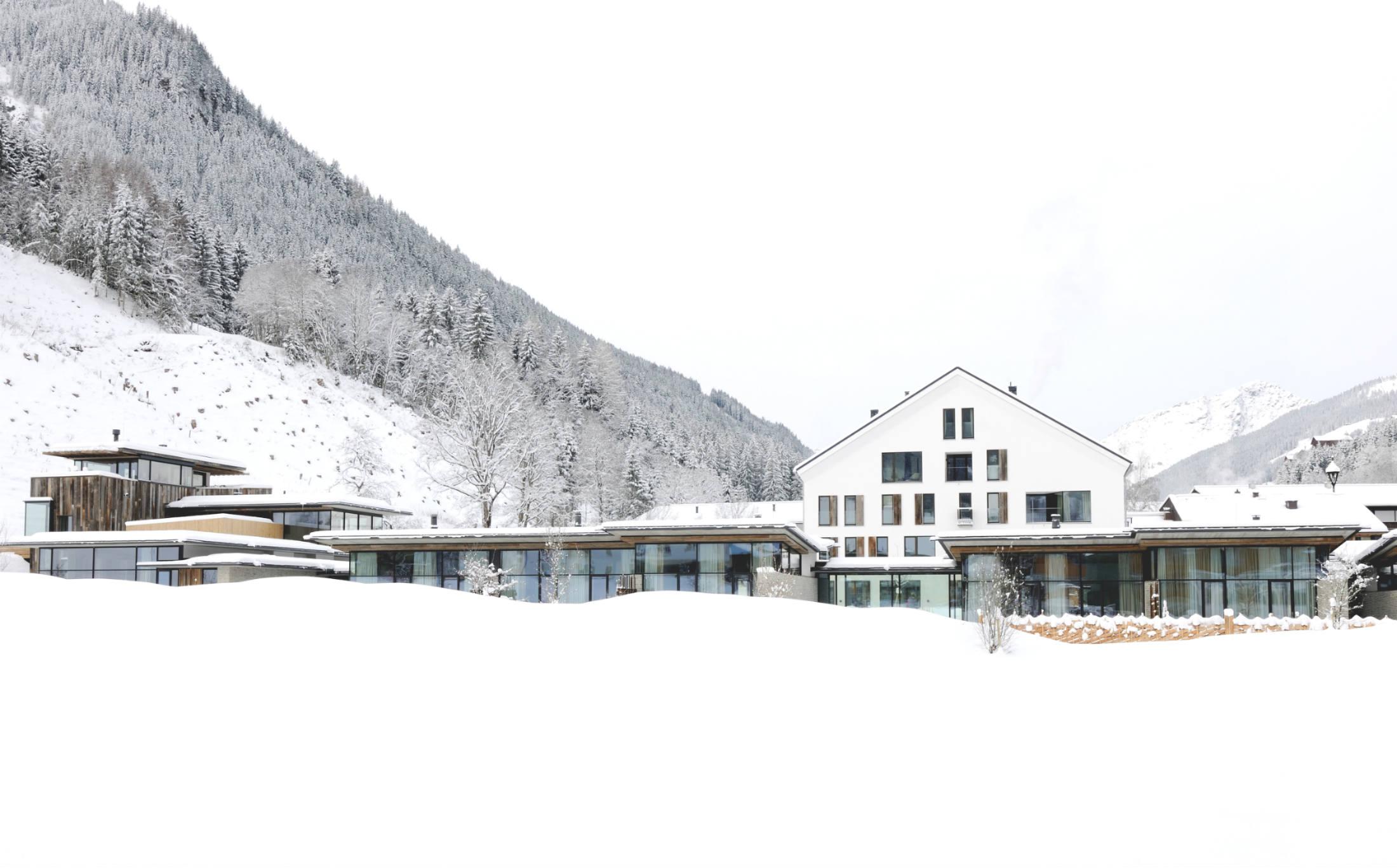 Hotel-WIESERGUT-Hinterglemm-Außenansicht-Winter-Copyright-Günter-Standl