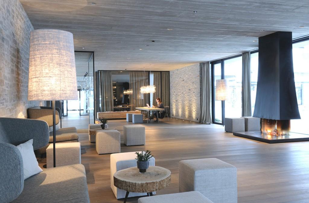 Hotel-WIESERGUT-Hinterglemm_Empfangsbereich_Copyright Günter Standl (1)
