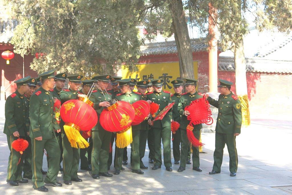 China-Henan-Shaolin-Tempel-Soldaten