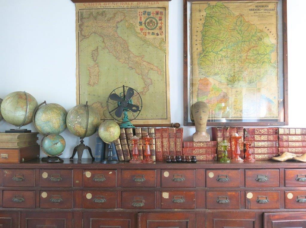 Uruguay-Casa-Zinc-Globe
