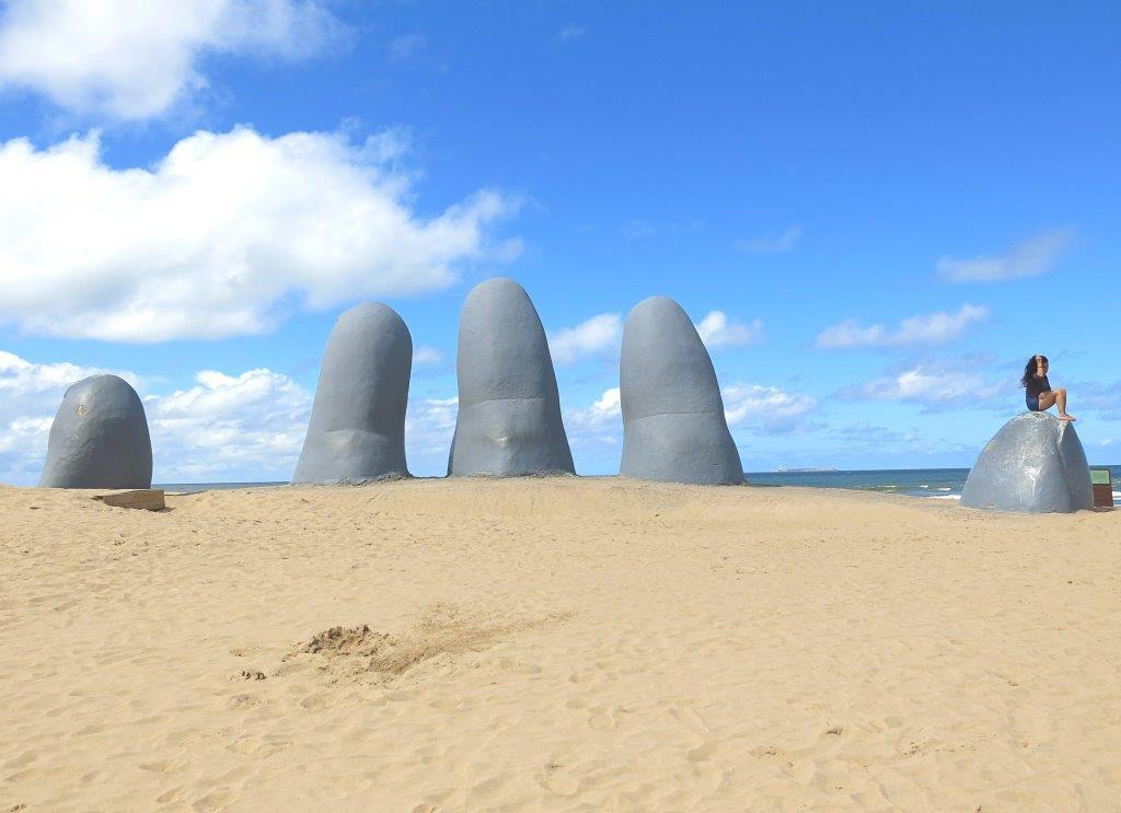 Uruguay-Punta-del-Este-La-Mano