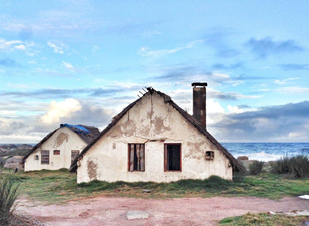 Uruguay-Roch-Punta-del-Diablo-House