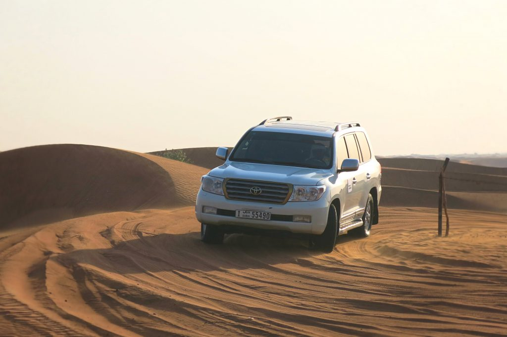 Dubai-Mit-Kind-Wüste-Dunebashing