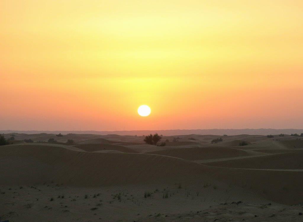 Dubai-Mit-Kind-Wüste-Sunset