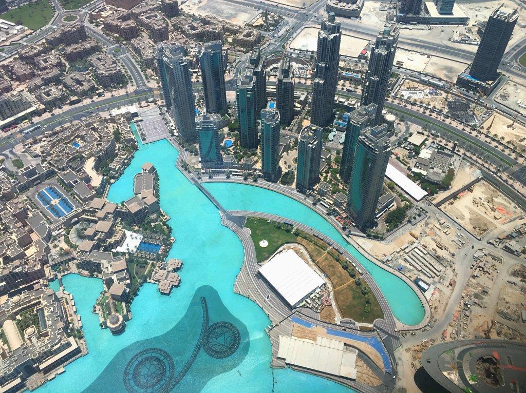 Dubai-mit-Kind-Burj-Khalifa-overview