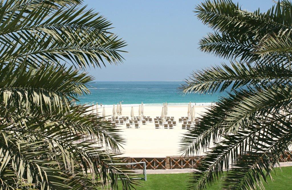 Dubai-mit-Kind-Strand-Burj-al-Arab