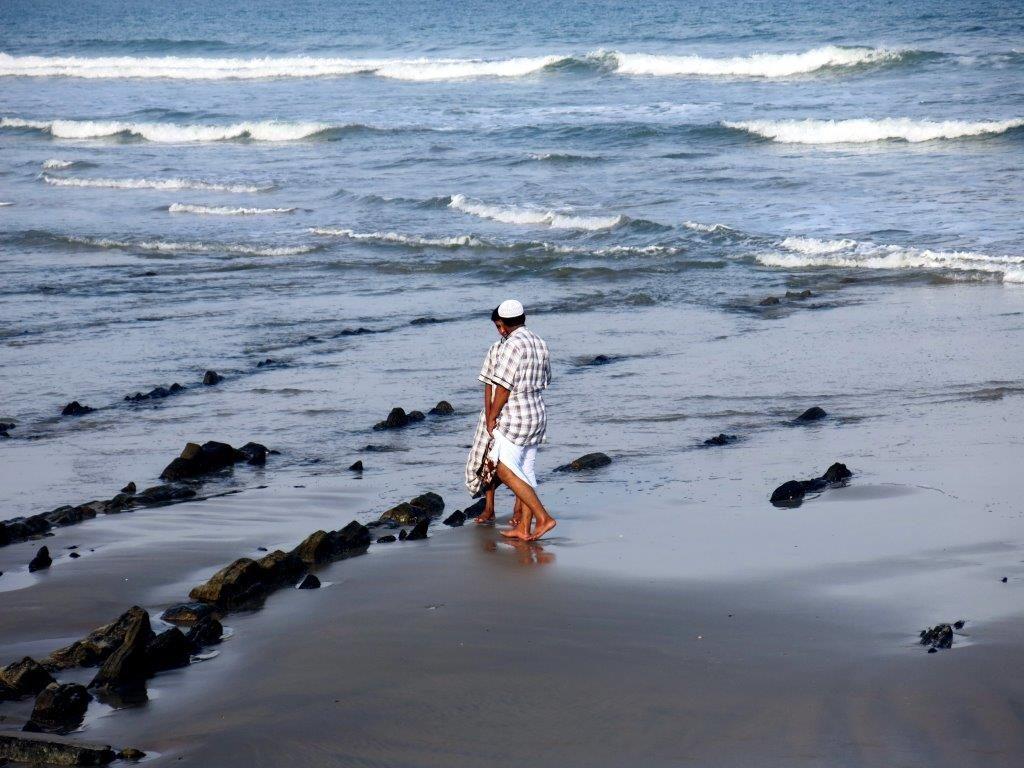 oman-allrad-omanis-beim-beachwalk