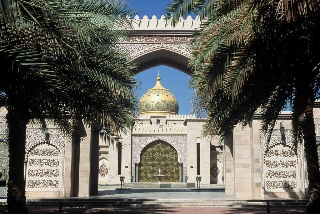 oman-im-allradwagen-moschee
