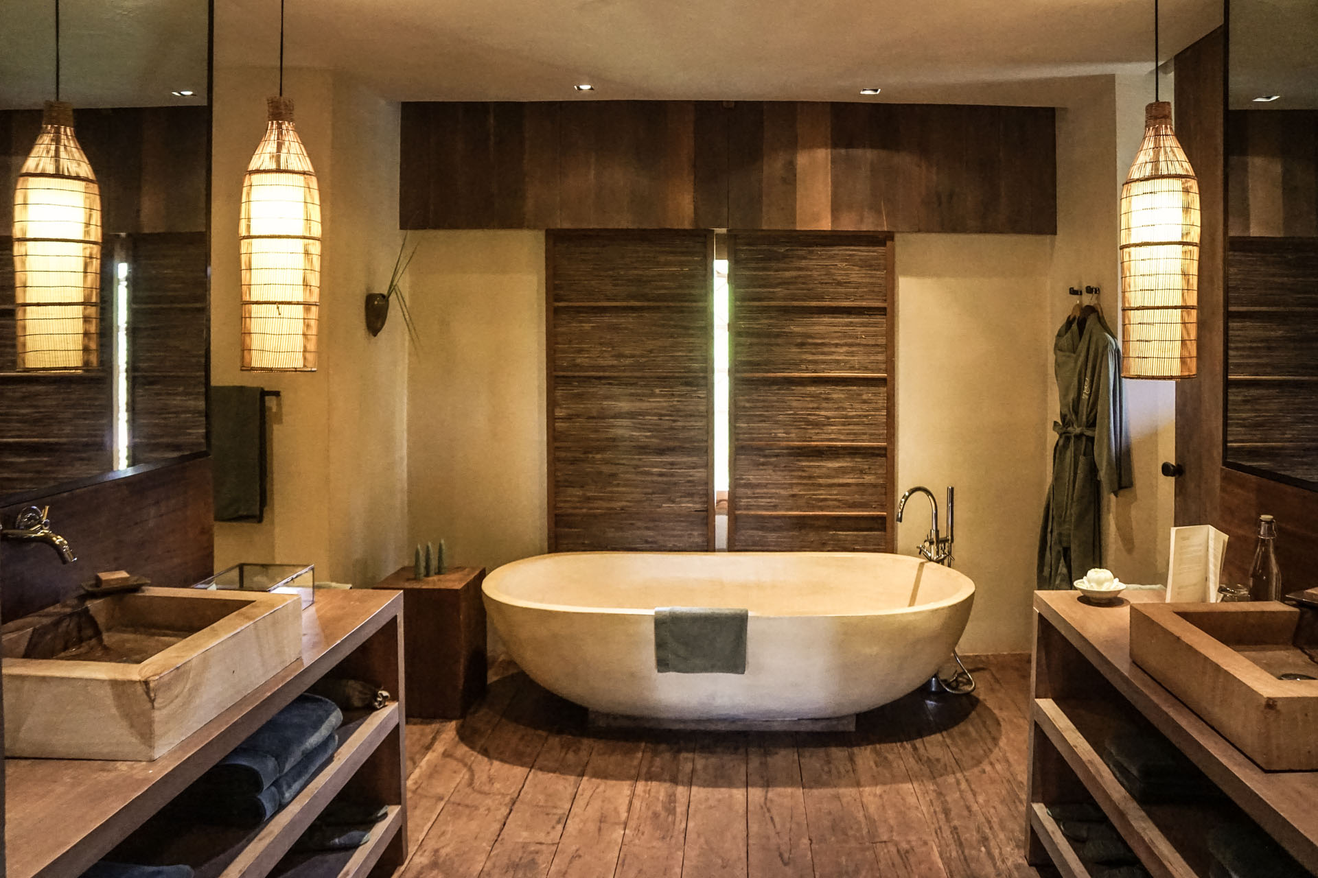 Hotel Phum Baitan Siem Reap Bathroom