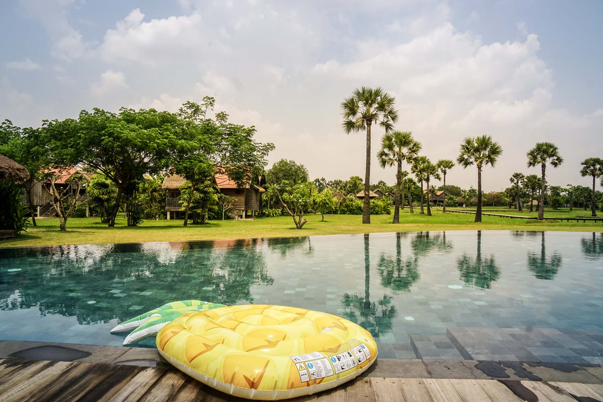 Hotel Phum Baitan Siem Reap Pool View